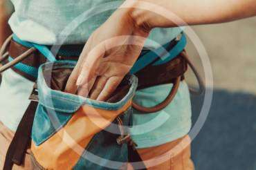 How to Choose and Use a Carabiners